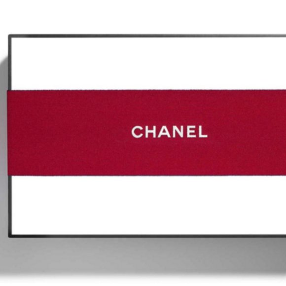 CHANEL Other - CHANEL Signature Medium White Gift Box Red Ribbon